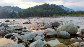 Rilassi il tempo al fiume nel pomeriggio Fotografia Stock Libera da Diritti