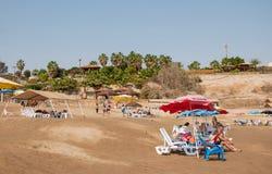 Rilassi sulle rive del mar Morto Immagine Stock