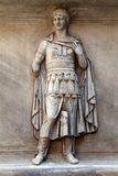 Rilievo romano dal tempiale del Hadrian. Fotografia Stock Libera da Diritti