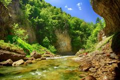 Rill Cascada del Estrecho в национальном парке Ordesa стоковые фото