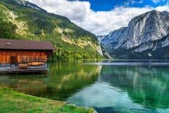 Rimessa per imbarcazioni di legno sul lago, Altaussee, Salzkammergut, Austria, Europa Immagini Stock Libere da Diritti