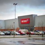 Rimi大型超级市场购物中心在克莱佩达,立陶宛 库存图片