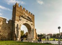 Rimini, Ιταλία αρχαίο Arco D'Augusto (αψίδα του Augustus) Στοκ φωτογραφία με δικαίωμα ελεύθερης χρήσης