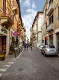 Rimini - folk på gatan royaltyfria bilder