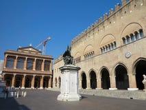 13 06 2017, Rimini, Italia: Archite medievale quadrato di Cavour della piazza Fotografia Stock