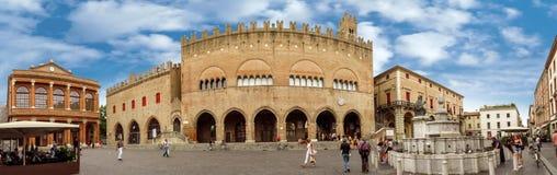 Rimini - quadrato di Cavour della piazza Fotografie Stock Libere da Diritti