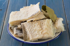 Rimmade codfish på maträtt Fotografering för Bildbyråer