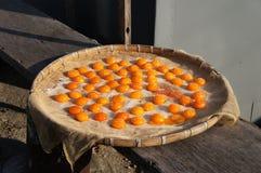 Rimmade och för sol torkade äggulor Royaltyfri Bild