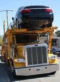 Rimorchio del trasportatore di automobile Immagine Stock