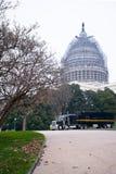Rimorchio nero del camion dei semi nel Washington DC anteriore del Campidoglio Fotografia Stock