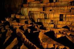 Rimstone (gours) in der Slocjan Höhle Stockfoto