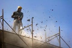 Rimuovendo vecchio strato concreto con la rondella ad alta pressione Fotografia Stock