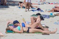Rin Haad παραλία ενώπιον του κόμματος πανσελήνων Koh Phangan, Ταϊλάνδη νησιών Στοκ Εικόνα