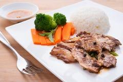 Rindfleisch mit chinesischer Soße Stockbilder
