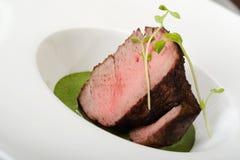 Rindfleisch mit Grüns Stockfotos