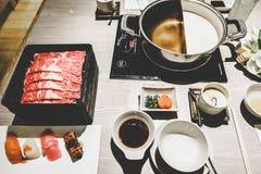 Rindfleisch Shabu-Satz Stockfotografie