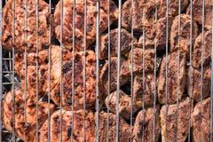 Rindfleischsteaks auf dem Grill Lizenzfreies Stockbild