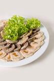 Rinforzi il rotolo con le albicocche secche ed il primo piano dell'insalata Immagini Stock