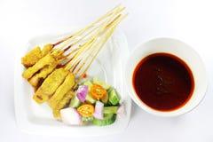 Rinforzi satay, la carne di maiale satay, pollo satay fotografie stock libere da diritti
