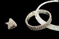 Ring, armband en halsband stock fotografie