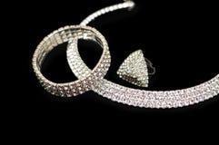 Ring, armband en halsband stock afbeeldingen