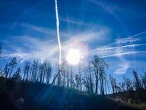 Ring Around gigante o Sun e o Chemtrails na SK foto de stock royalty free