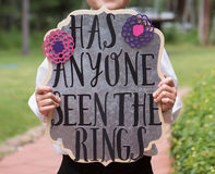 Ring Bearer Holding Sign Royaltyfria Bilder