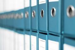Ring Binders, het bureauplank van het Dossierarchief Stock Foto's