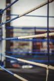 Ring de boxeo en estudio de la aptitud Imagen de archivo