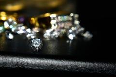 Ring Gold Jewelry och rubin arkivfoton
