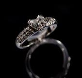 Ring met brilliants royalty-vrije stock foto's