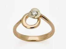 Ring met de diamanten royalty-vrije stock afbeelding