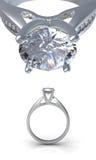 Ring met diamant Stock Afbeeldingen
