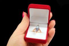 Ring met grote steen Stock Foto