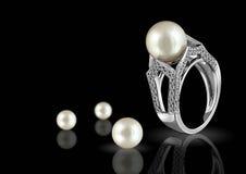 Ring met parel en diamant Royalty-vrije Stock Foto