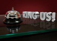 Ring Us Words 3d Front Counter Customer Support Hotel skrivbord Royaltyfri Foto