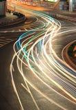 Ringdatenbahnleuchte schleppt Nachtszene Lizenzfreie Stockbilder