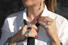 Ringe und Armbänder im Exekutivorgan Lizenzfreies Stockfoto