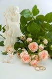 Ringen en rozen stock foto