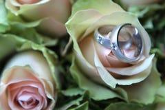 Ringen op boeket Royalty-vrije Stock Foto's