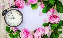 Ringklocka 10 timmar Blommor Arkivfoton