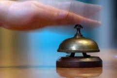 Ringninghotellmottagandet sätta en klocka på Royaltyfria Foton