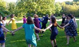 Ringowy taniec przy ślubem Obraz Stock