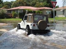 Ringrazi Dio per una jeep! Immagini Stock Libere da Diritti