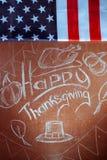 Ringraziamento felice, scritto in gesso bianco su una lavagna, Fotografia Stock