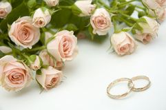 Rings and roses Royalty Free Stock Photography