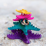 Rings on starfishes in tropic paradise. Wedding Vacation concept Royalty Free Stock Photos