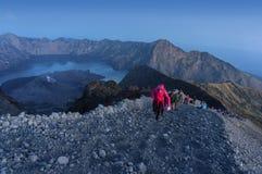 Rinjani登上山顶攻击 免版税图库摄影