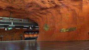 Rinkeby Estación de metro Arte en el subterráneo Estocolmo suecia almacen de video