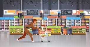 Rinnande kund för affärsman med att shoppa inre för marknad för livsmedelsbutik för produkter för upptagen manlig shoppare för sp stock illustrationer